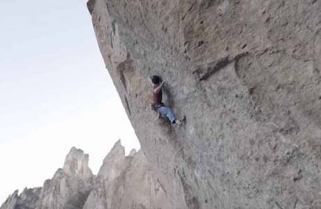 Vlog 7 - Adam Ondra klettert Scarface (8b+) im Gebiet Smith Rocks onsight