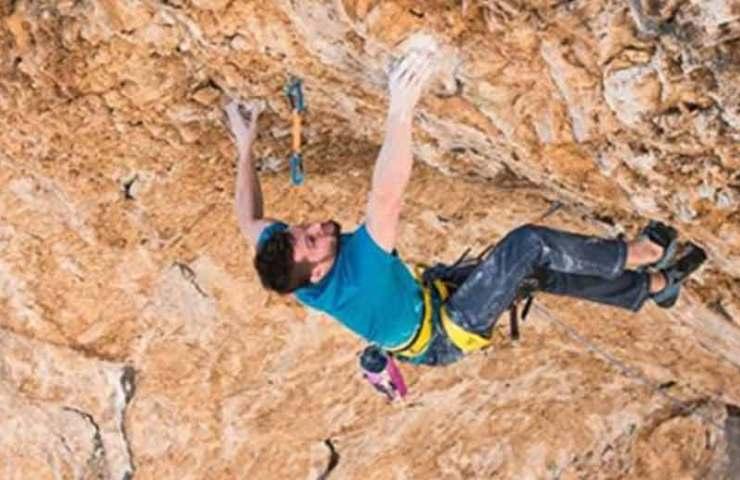 Jernej Kruder celebrates the heaviest route in Croatia: Dugi Rat (9a +)