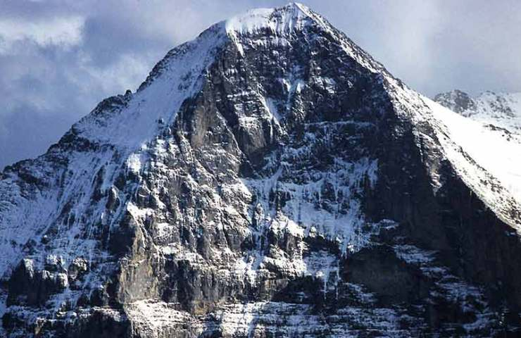 Alpinist fatally injured in the Eiger North Face