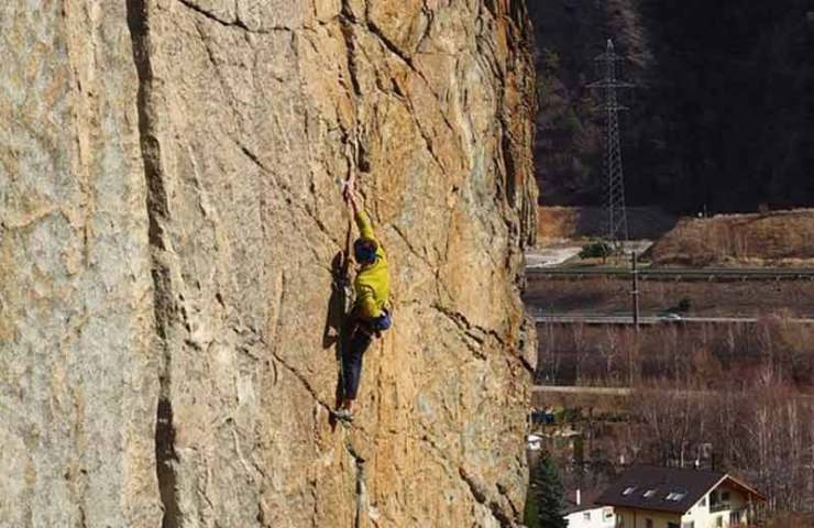 Fabian Borter klettert als Zweiter eine der schwersten Trad-Routen der Schweiz: Hanuman im Brigerbad