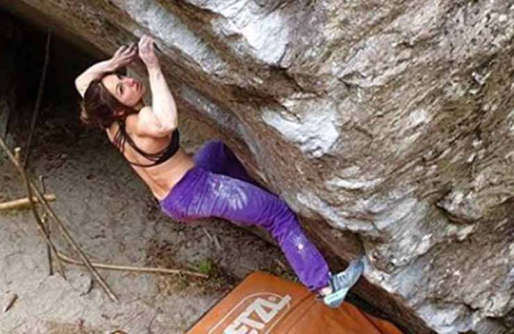 Harte Tessiner Boulder: Daniel Woods mit Off the Wagon - Alex Puccio mit Heritage