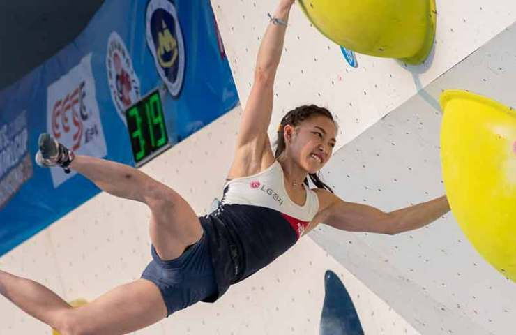 Janja Garnbret and Manuel Cornu win the Boulder World Cup in Chongqing