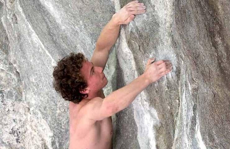 Dimitri Vogt punktet Val-Bavona Testpiece Coup de Grâce (9a)