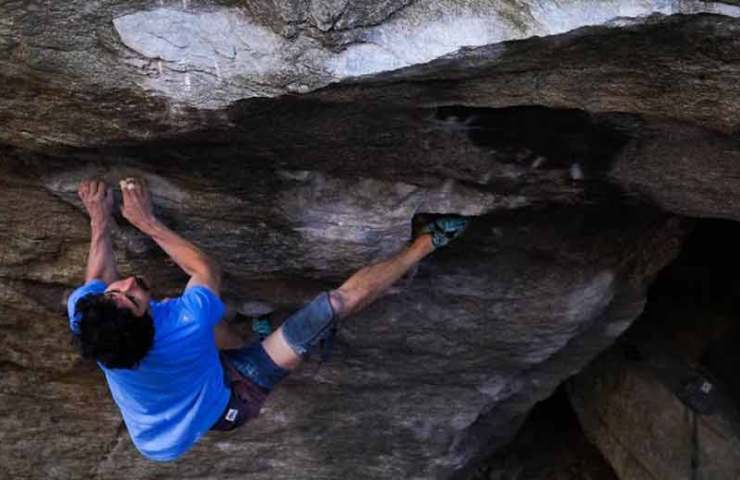 Video: Keenan Takahashi begeht Big Kat (8b+) in Chironico