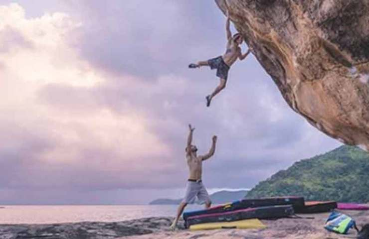 Daniel Woods and Giuliano Cameroni climb the heaviest boulder in Brazil