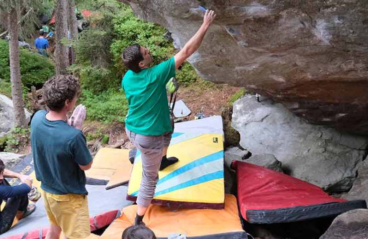 Here is cleaning, bouldering and celebrated: Magic Wood Clean Up Day 2019