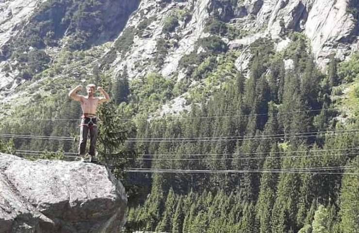 Beni Blaser scores the climbing route Elfe an der Handegg