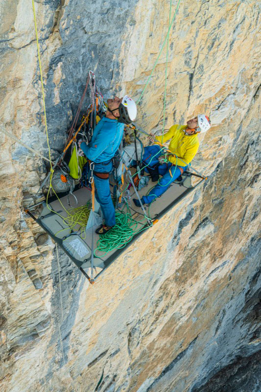 Roger Schäli and Stephan Siegrist at the first ascent of Silverback. (Picture Frank Kretschmann)