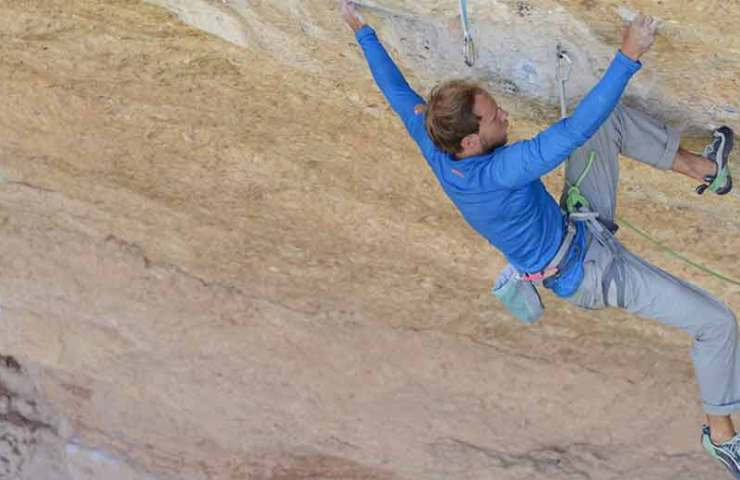 Jonas Schild climbs 9a with Victimes del Futur for the first time