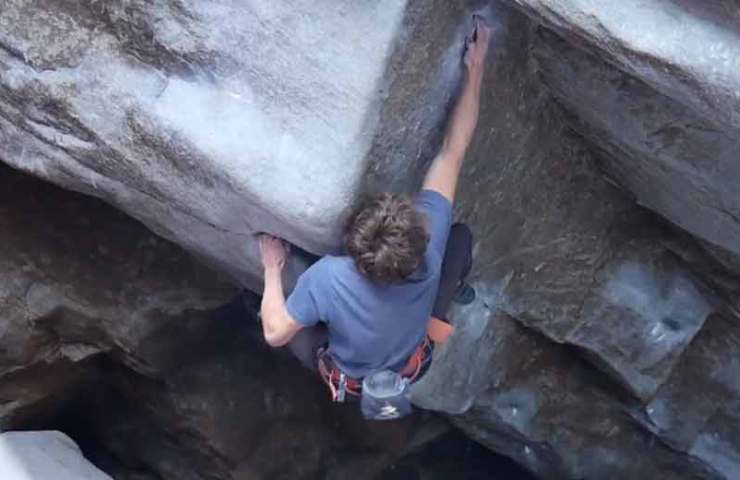 Leon Fraunholz knackt The Never Ending Story 1+2+3 (9a) im Magic Wood