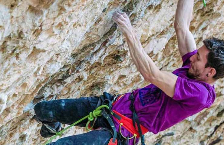 Stefano Ghisolfi-climbs-Stoking-the-Fire-in-Santa Linya
