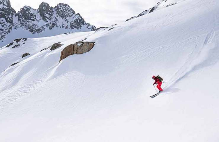 Feels at home in any terrain: the touring ski Superguide 95 from Scott