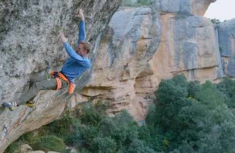 Video: Jakob Schubert climbs one of the most difficult routes in the world: Perfecto Mundo (9b +)