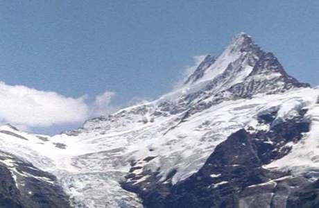 Bergsteigerin am Schreckhorn tödlich verunglückt