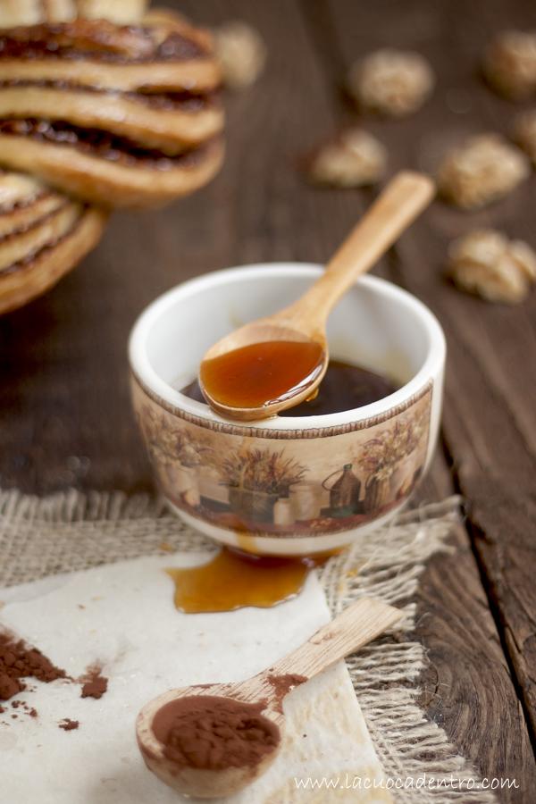 treccia brioche al miele, cacao e noci