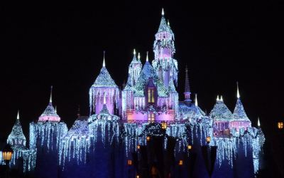 How to Have an Amazing Date at Disneyland