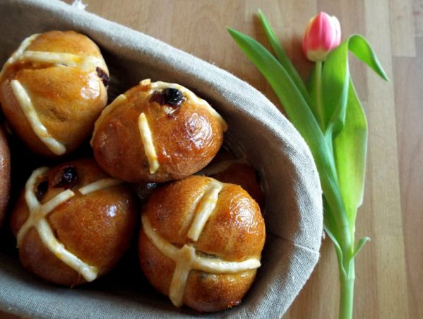Hot Cross Buns ricetta picnic