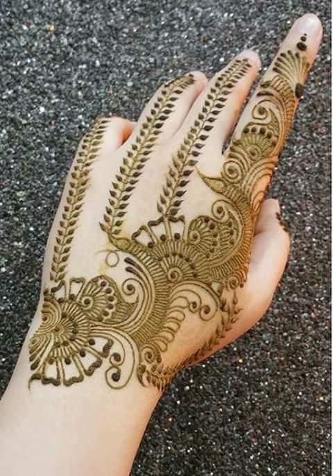 Best 15 Floral Style Back Hand Henna Designs Fashion