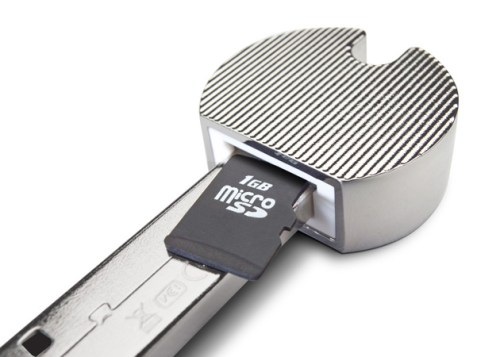 lacie-launched-2-usb-flash-drives-and-a-card-reader-in-the-shape-of-door-keys-2