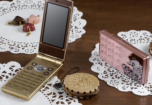 Docomo STYLE series Featuring Magic Illumination, Perfume Holder and Chocolate-Like Design (14)