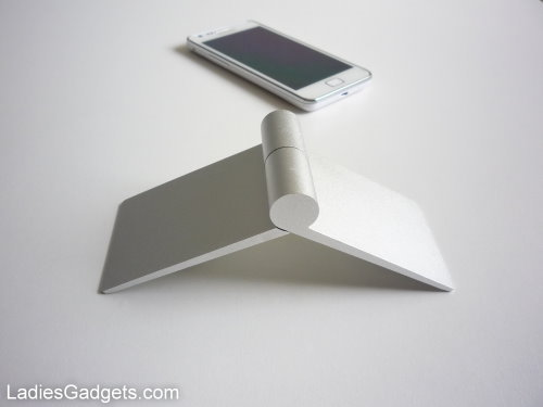 Hands on Review Zyroshell Phone Cradle for Your Car and Desk (6)