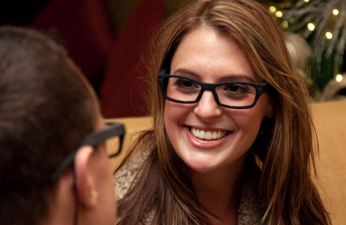 iPal Eyeglasses Capture Images Based on Your Eye Gestures (2)