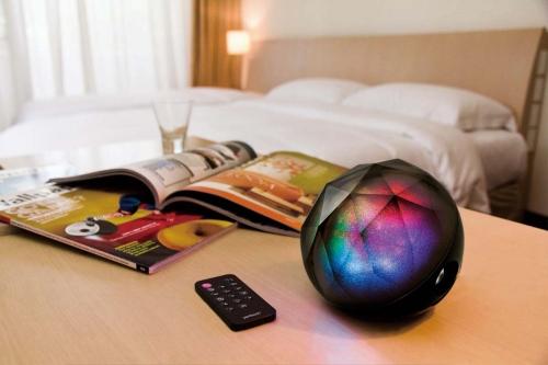 Yantouch Diamond Bluetooth Entertainment System (2)