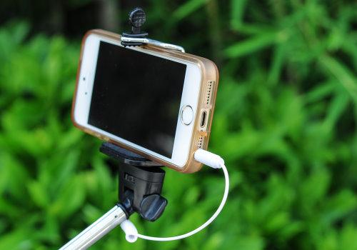 mini selfie stick easier hold (2)