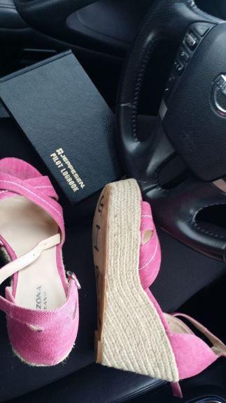 Emily Carpenter pink shoes