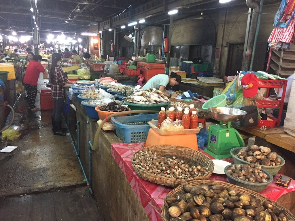 Siem reap market Ladies What Travel