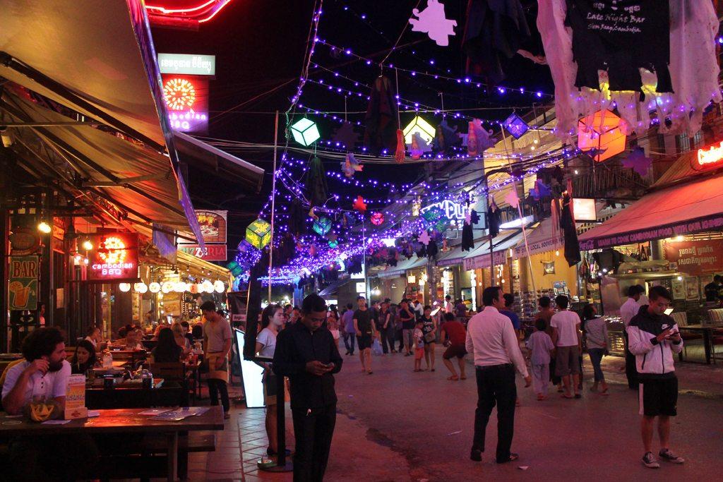 Pub Street Siem Reap | Ladies What Travel