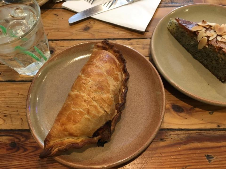 Bristol food, Hart's bakery
