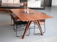 http://www.crowdyhouse.com/nl/shop/bamboo-dinnertable/