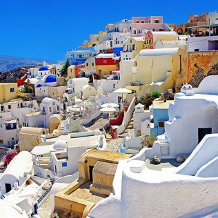 http://paowmagazine.com/discover-santorini-the-black-pearl-of-the-aegean/