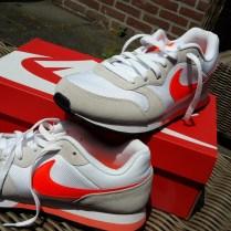 nike-sneakers-wit-3