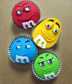 http://www.dzinewatch.com/2012/09/creative-cupcake-designs/