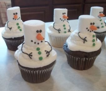 http://www.kidskubby.com/creative-christmas-cupcake-ideas/