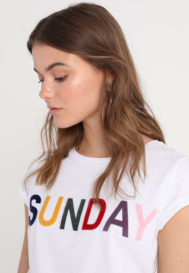 sunday printed t-shirt