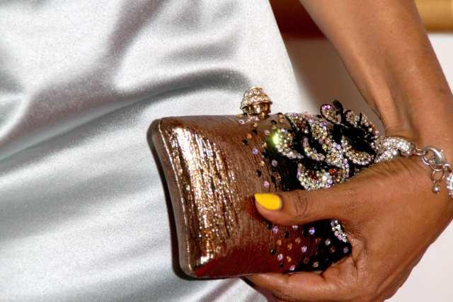dresscode gala foto clutch sieraden