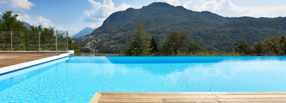 Costruzione e installazione piscine interrate e fuoriterra vendita online accessori per piscina