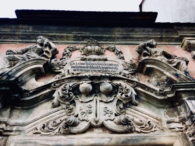 Dintel del Mausoleo de Goetzsche