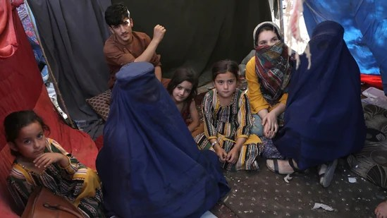 Hours after vowing to 'honour women's rights', Taliban shoots woman dead for not wearing a burqa