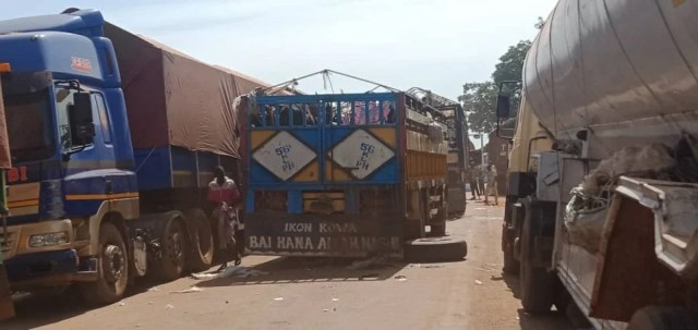 Travellers stranded as protesting trailer drivers block Mokwa-Jebba Road in Niger