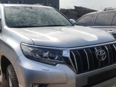 Reactions as Makinde donates SUVs to Oyo PDP leaders