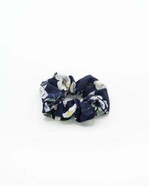 chouchou bleu marine à fleurs blanches