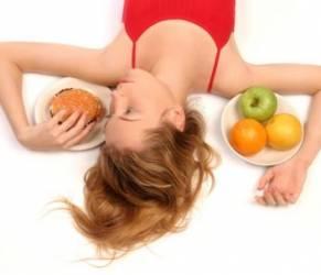 Dieta per vivere a lungo: meno calorie contro il cancro