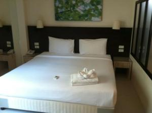 @White Patong Hotel bed