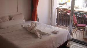 Arya Boutique Room bed and balcony