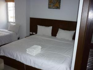 Asialoop Guest House bedroom