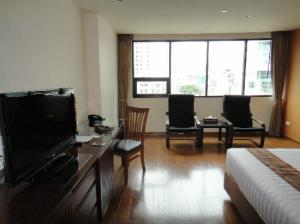 Hotel Mermaid Bangkok room